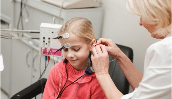 Unikāla iekārta Bērnu dzirdes centram ļauj noteikt dzirdes slieksni agrīnā vecumā bez anestēzijas