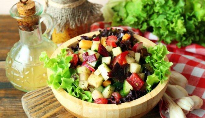 Veselīgu un gardu salātu uzbūve – padomi, lai uzreiz nebūtu jāķeras pie receptes