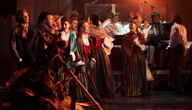 Koris 'Aura' Ziemas saulgriežos aicina uz koncertuzvedumu 'Baltie Ziemassvētki'