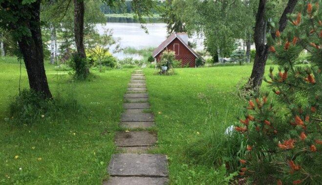 Burvīgs lauku kolorīts: īpašums Madonas novadā ar pirtiņām un skatu uz ezeru