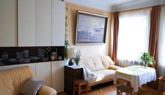 Cauri laikiem: mājīgs un nedaudz sentimentāls dzīvoklis Tallinas ielā