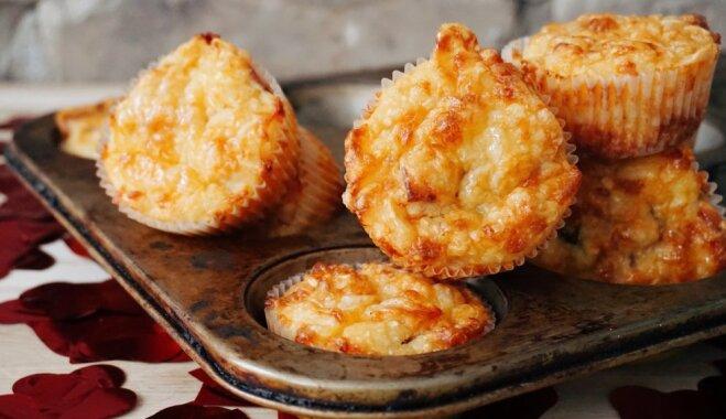 Kartupeļu kēksiņi ar sieru un bekonu