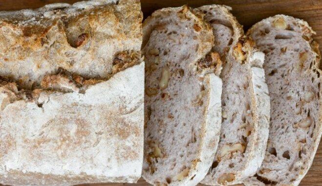 Хлеб с грецким орехом и сыром