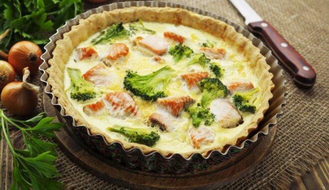 Brokoļu un laša sāļais pīrāgs