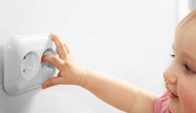 Pirksta kratīšana vecāku virzienā jeb Trīs bīstamākās telpas mājās