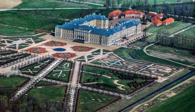 10 muižas, ko iesaka apskatīt enciklopēdijas 'Muižas Latvijā' autors