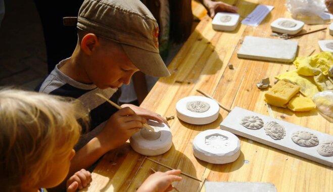 Porcelāna rotas, brīnumu meklējumi un slepenā eja Rīgas Domā - jauki nedēļas nogales pasākumi bērniem