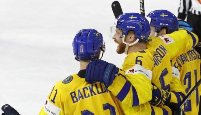 Zviedrijas izlases spēlētāji sagaida smagu spēli pret Latvijas hokejistiem