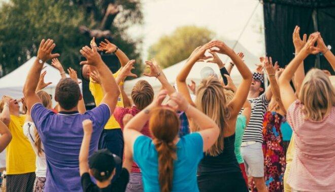 Smieklu jogas treneris grib uzstādīt Ginesa rekordu Latvijā