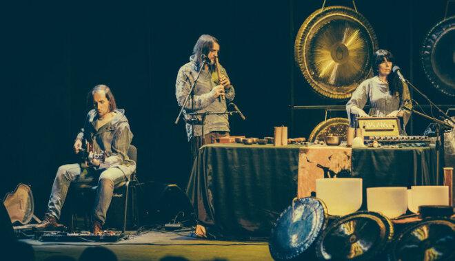 Holistiskā rezonanse un brīvās dvēseles džezs – Alīcijas Eiliakas gongi skanēs Rīgā