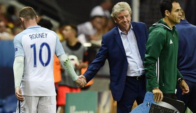 Wayne Rooney and England coach Roy Hodgson