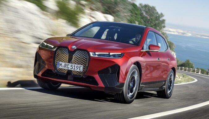 Elektriskais 'BMW iX' apvidnieks – 500 ZS un 600 km sniedzamība