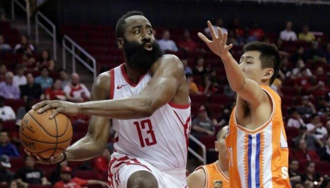 Hārdens un Hjūstonas 'Rockets' sagrauj Šanhajas 'Sharks'