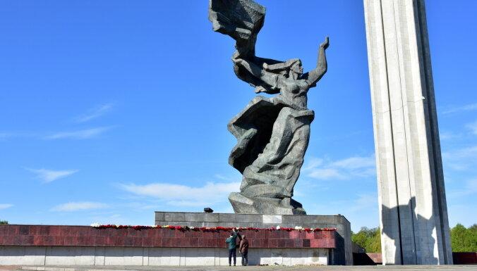 МИД: Памятник Освободителям защищает международный договор, Латвия не планирует его нарушать