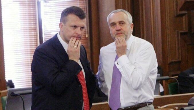 Шкеле и Шлесерсу предъявлены обвинения в мошенничестве и отмывании денег в деле о внедрении цифрового ТВ