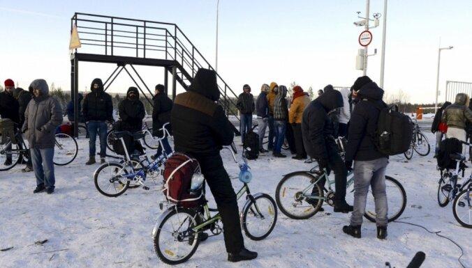 Migranti Krievijas-Norvēģijas pierobežā izpērk visus velosipēdus
