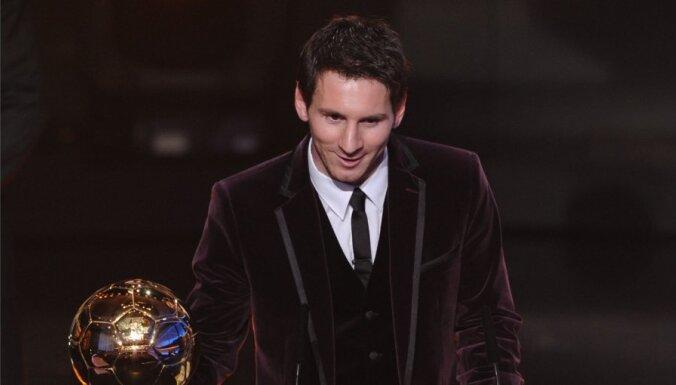 Lionels Mesi trešo gadu pēc kārtas atzīts par labāko pasaules futbolistu