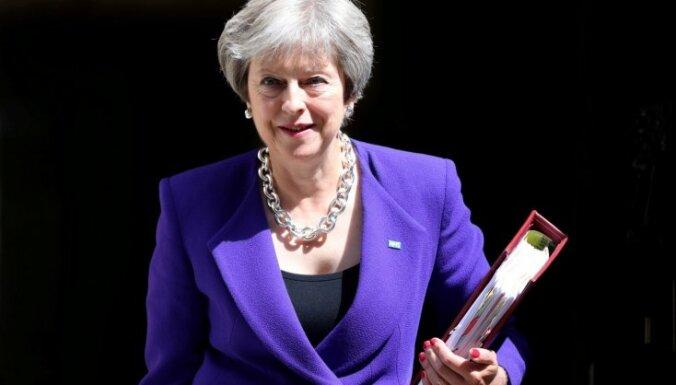 Lielbritānijas valdība pieņem plānu par brīvās tirdzniecības zonu ar ES