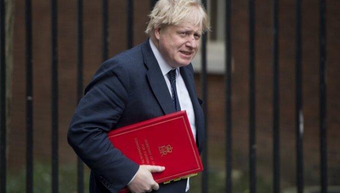 Lielbritānijas parlaments noraida Džonsona priekšlikumu par pirmstermiņa vēlēšanām 15. oktobrī (plkst.00:20)