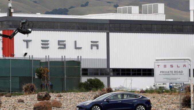 'Teslas' darbiniekam piedāvāts 1 miljons dolāru, lai datorsistēmu inficētu ar vīrusu