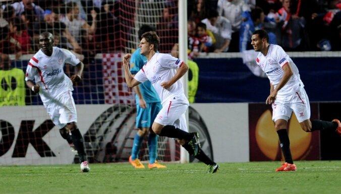 Sevilla, Denis Suarez (C), Timothee Kolodziejczak (R), Stephane Mbia (L)