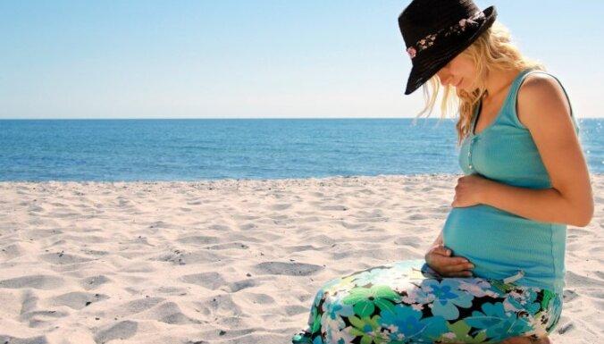 Trīs svarīgākās lietas, izvēloties apģērbu grūtniecības un bērna zīdīšanas laikam