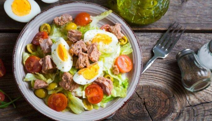 14 kārdinošas tunča salātu receptes – gan brīvdienu maltītei, gan līdzņemšanai