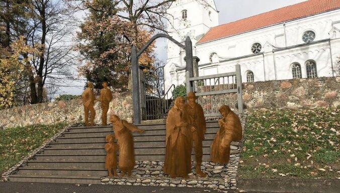 Saldū iecerēts uzstādīt Rozentāla gleznas 'Pēc baznīcas' iedvesmotas bronzas skulptūras