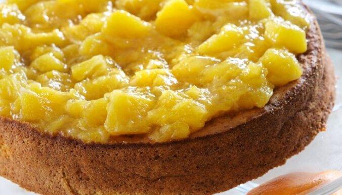 Apelsīnu un mandeļu kūka