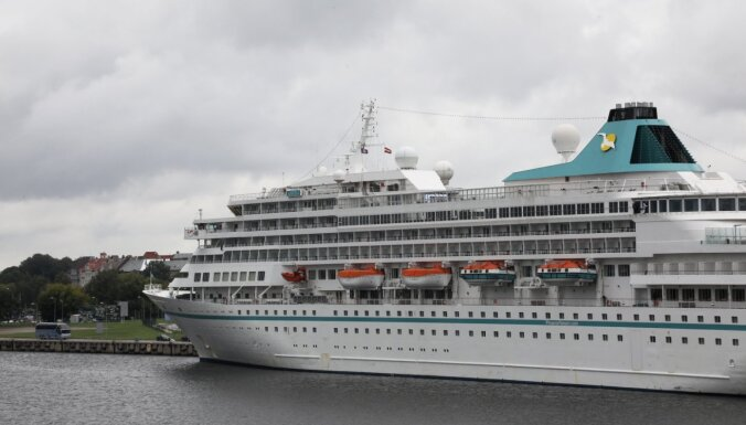 Foto: Rīgas ostā atgriežas kruīza kuģi