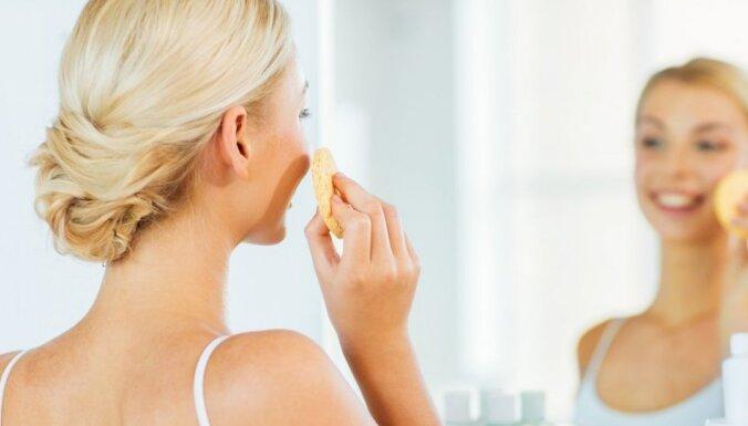 Alkohols, našķi, vitamīnu trūkums – kā tu kaitē ādai pandēmijas laikā
