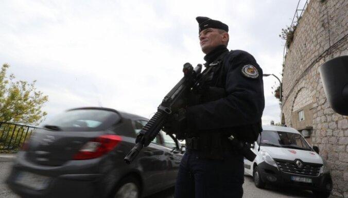 Франция на фоне серии терактов проверит 76 мечетей