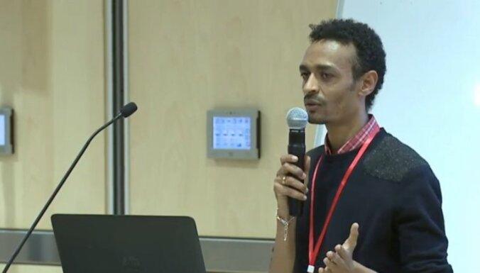 Eritrejas bēgļa pieredze Latvijā un integrācijas panākumu atslēga. Tiešraide noslēgusies