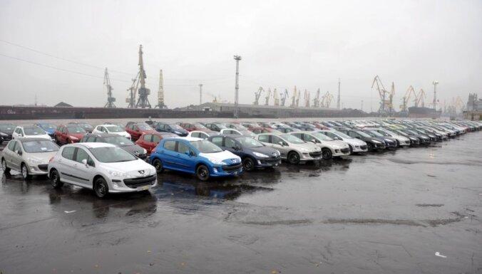 Латвии с 2021 года грозит огромный штраф за выбросы CO2 и бремя ляжет на плечи автовладельцев