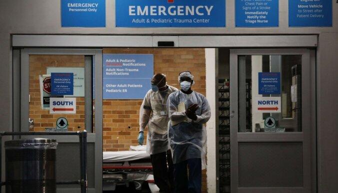 ASV Covid-19 nāves gadījumu skaits diennaktī sasniedz jaunu rekordu