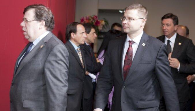 Пиебалгс: в Европе оценили способности Домбровскиса