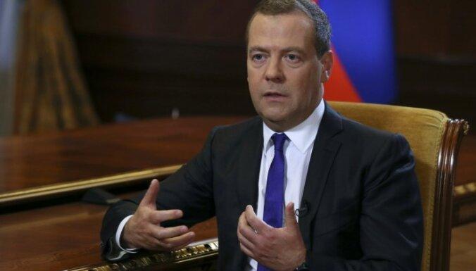 Gruzijas uzņemšana NATO var izraisīt šausmīgu konfliktu, pauž Medvedevs