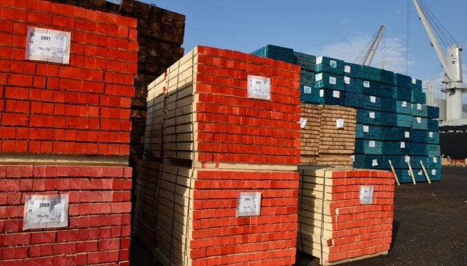 Rīgas ostā vairāk mežsaimniecības kravu