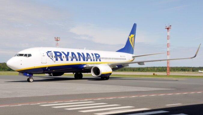 'Ryanair' pārtrauks lidojumus no Rīgas uz Stokholmu un Briseli