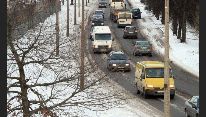 Из-за снегопада в Риге нарушен график движения общественного транспорта