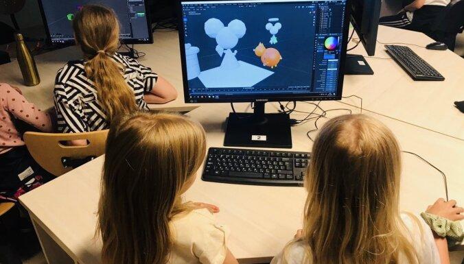 Svarīgi iedrošināt: 'Riga TechGirls' vasaras skola apliecina meiteņu interesi par tehnoloģijām