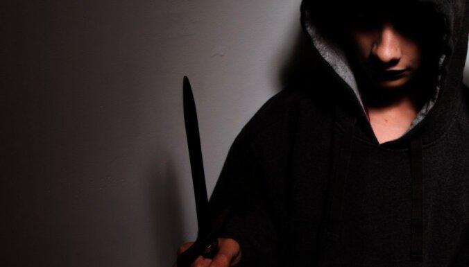 Вооруженные преступники ограбили автозаправку в Елгаве