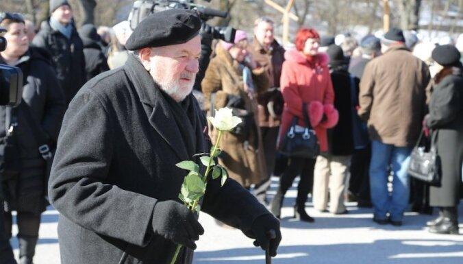 16 марта: яблоко раздора в латвийской политике