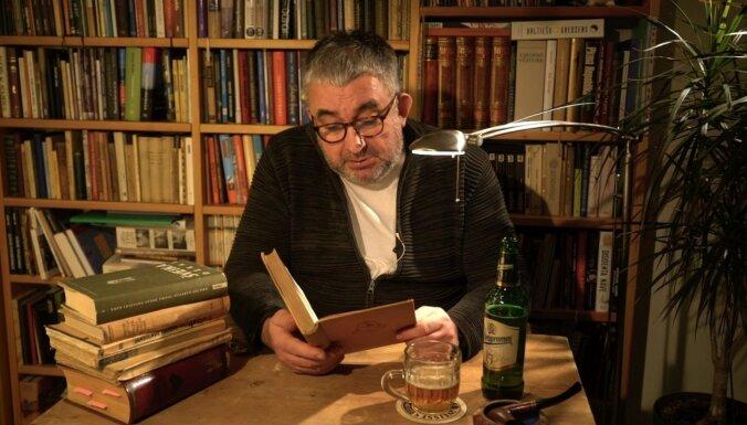 Noskaties! Gundars Āboliņš tiešsaistē lasa Hašeka 'Šveiku'