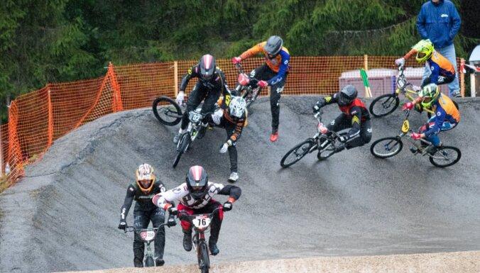 Babra uzvaru sērija turpinās arī 'SMScredit.lv BMX čempionāta' Smiltenes posmā
