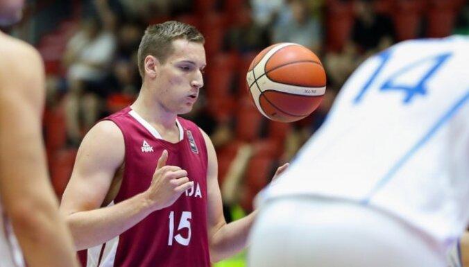 'VEF Rīga' paraksta līgumus ar latviešiem Ati un Čavaru