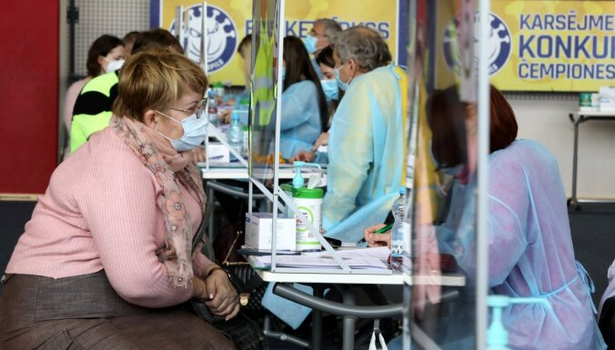 В Пасхальные выходные в центрах массовой вакцинации ждут пенсионеров старше 70 лет