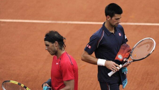Париж: финал Джокович — Надаль прерван и отложен