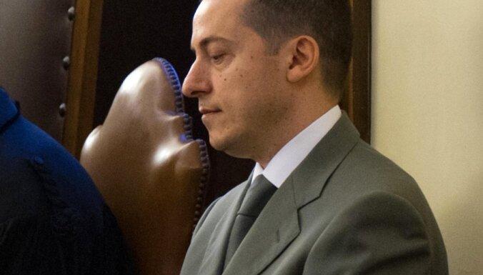 Prokurors pieprasa pāvesta sulainim piespriest trīs gadu cietumsodu