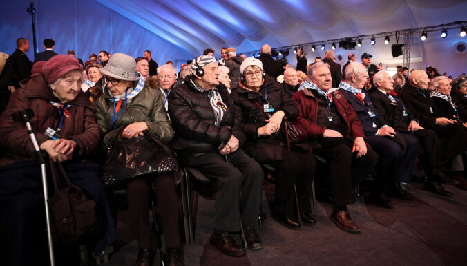 """""""Слово выжившим, а не политикам"""": что говорили в Освенциме через 75 лет после освобождения?"""